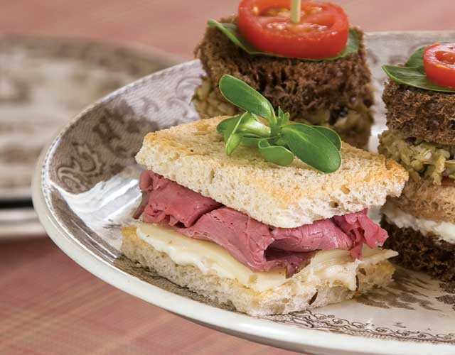Roast Beef and Horseradish Tea Sandwiches Recipe
