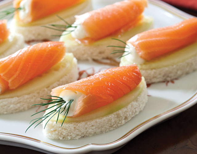 Salmon cucumber canap s with wasabi aioli for Salmon canape ideas