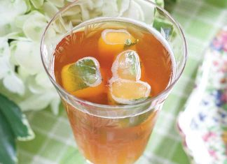 Summertime-Peach-Iced-Tea