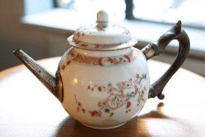 Wood-Handle-Teapot