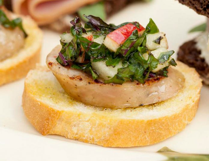 Apple-Chicken Sausage Crostini with Apple-Kale Slaw