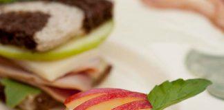 Apple–Goat Cheese Croustades