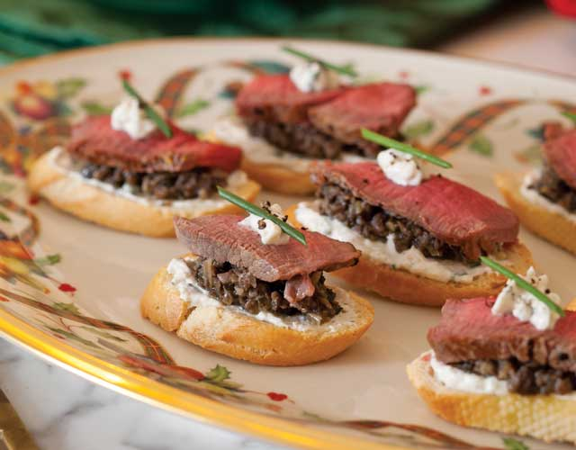 Beef wellington canap s teatime magazine for Beef horseradish canape