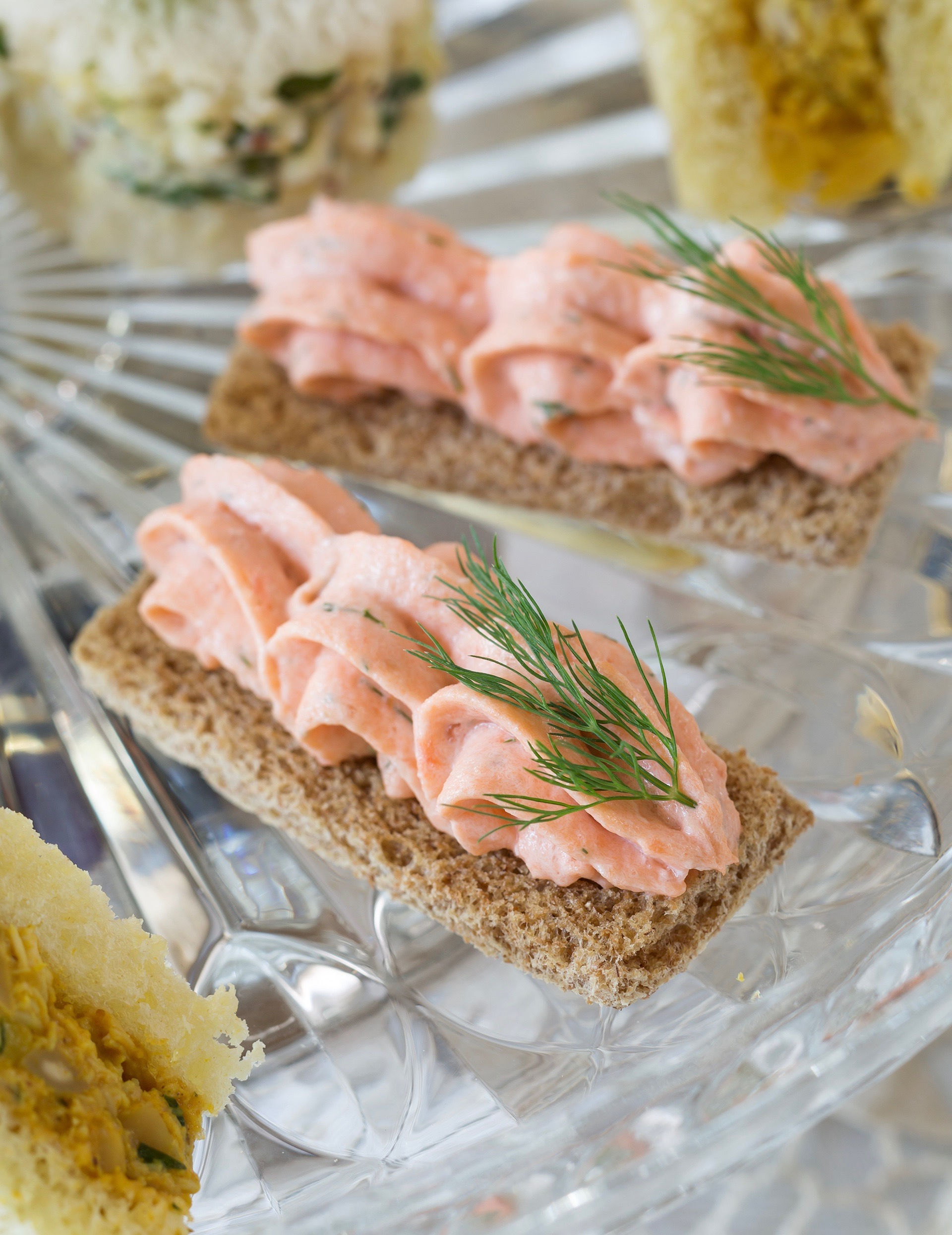 Dilled salmon mousse canap s teatime magazine for Salmon mousse canape