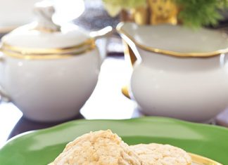 Brown Sugar and Cream Cheese Scones