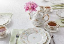 The Complete Table: Setting the Table with Family Heirlooms