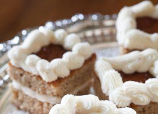 Apricot-Walnut Cakes