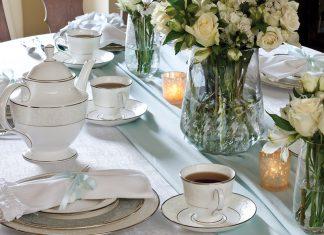 A Wintertide Teatime