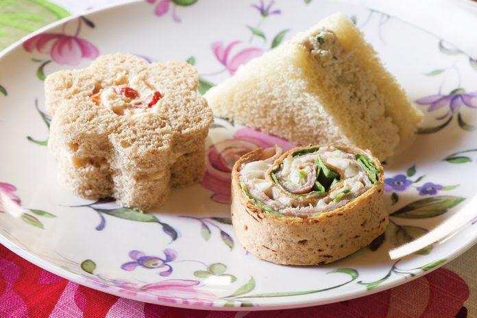 Chicken Salad Sandwiches with Green Apple & Tarragon