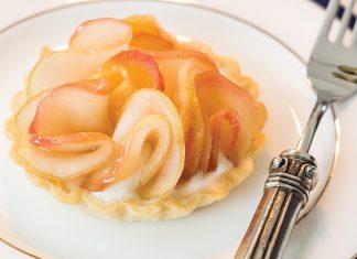 Apple Tartlets with Brown Sugar Cream - TeaTime Magazine