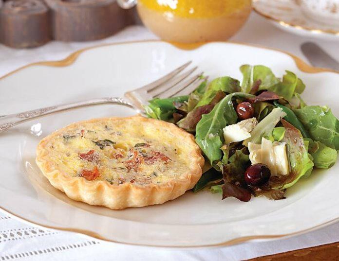 Haricots Verts and Artichoke Green Salad