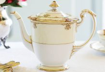 Treasured Teapot: An Amorous Affair