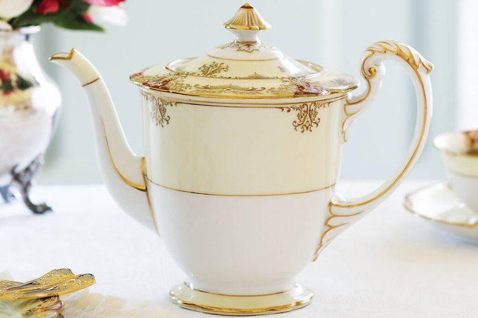 Treasured Teapot: An Amorous Affair