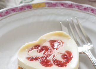 Strawberry-Pomegranate Cheesecake Hearts