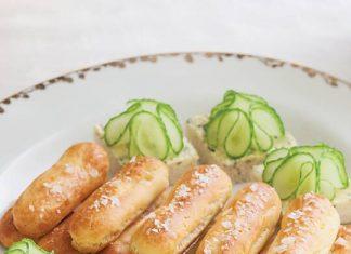 Tarragon & Cucumber Flower Canapés