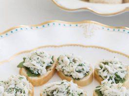 Herbed Crab Canapés