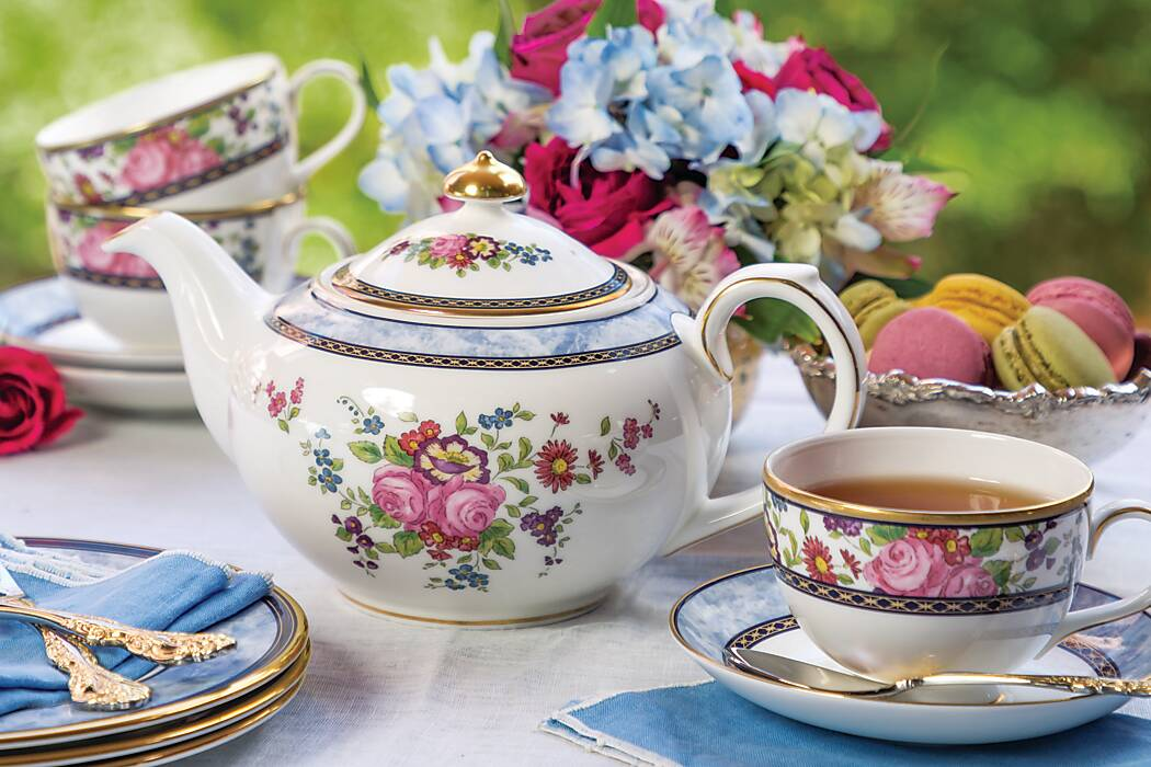 Treasured Teapot: Perennial Rose