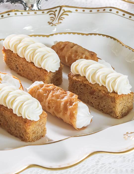 Mini Ginger Carrot Cakes